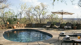 Greens Camp Lodge in Dinokeng