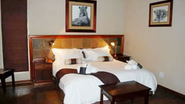 LeopardSong Lodge in Dinokeng